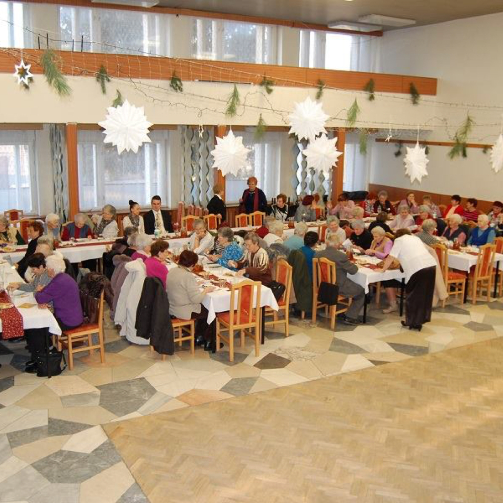 Karácsonyi délután a nyugdíjasokkal
