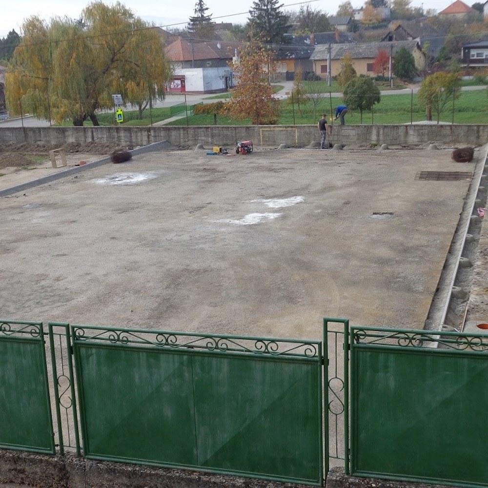 Folytatódik a többfunkciós műfüves sportpálya építése Muzslán