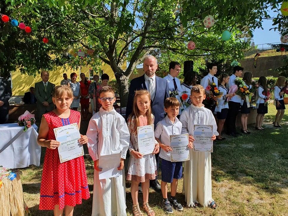 Slávnostné ukončenie školského roka v mužlianskej základnej škole J.Endrődyho