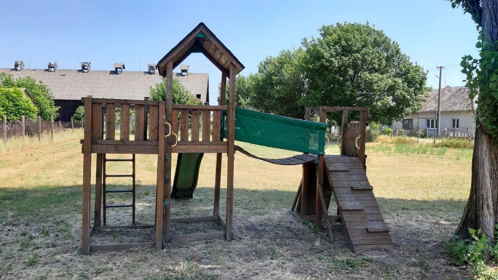 Detské ihriská v Malej Mužle a v Čenkove
