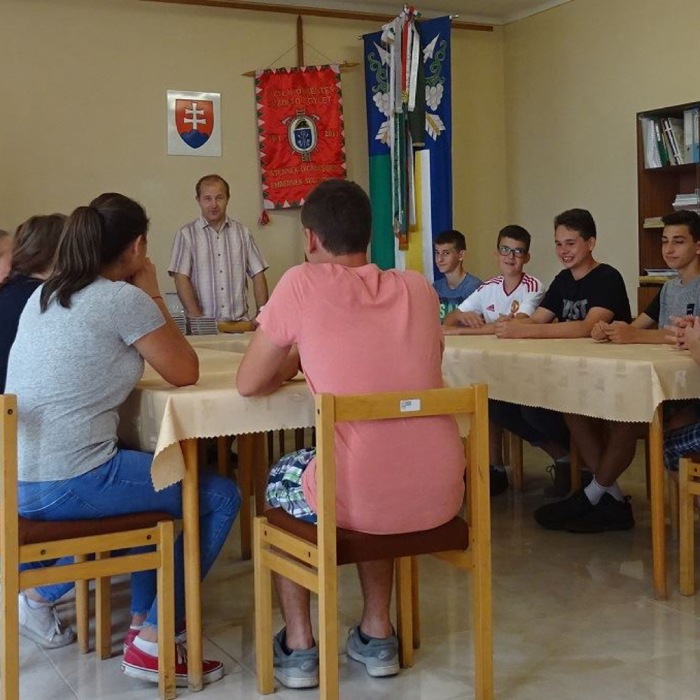 Mužlianski deviataci pozvali starostu obce na svoju rozlúčku so školou