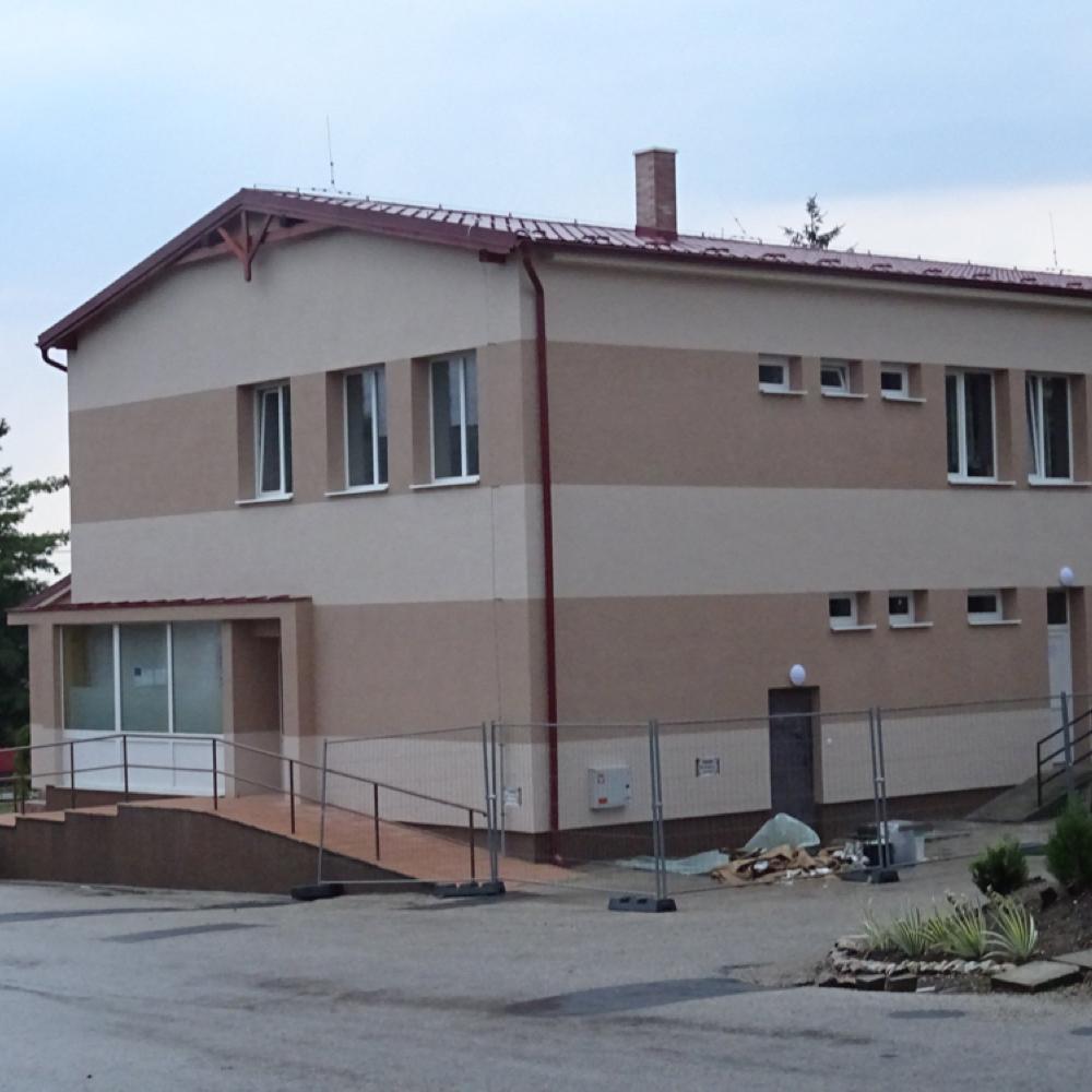 Rekonštrukcia domu služieb v Mužle je pred dokončením