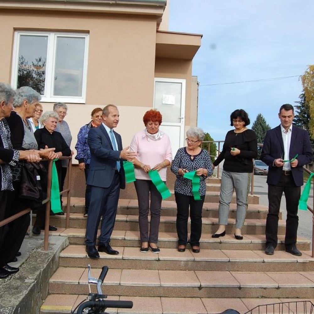Odovzdali obnovenú budovu Domu služieb