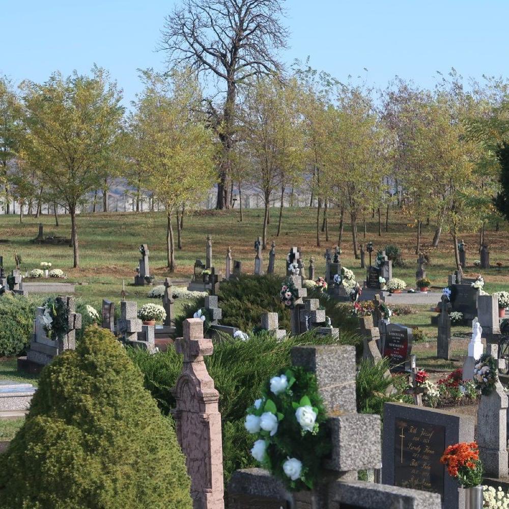 Mužliansky cintorín pred sviaktami Všetkých svätých