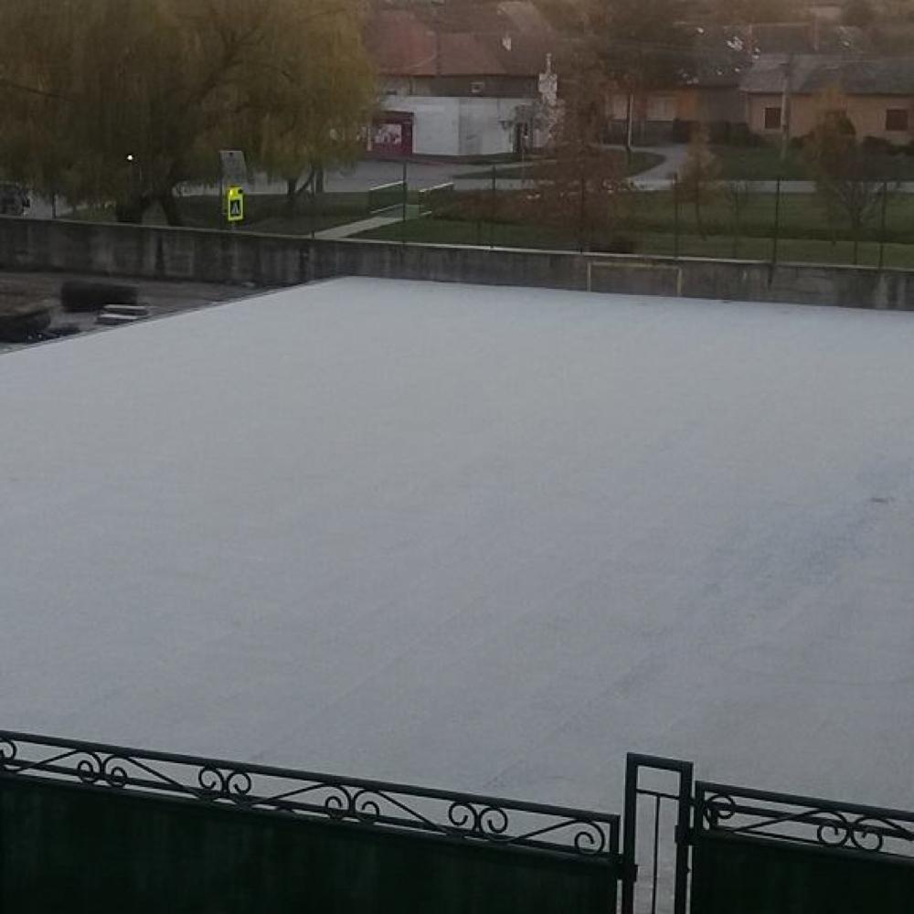 Pokračuje výstavba multifunkčného športového ihriska v obci Mužla
