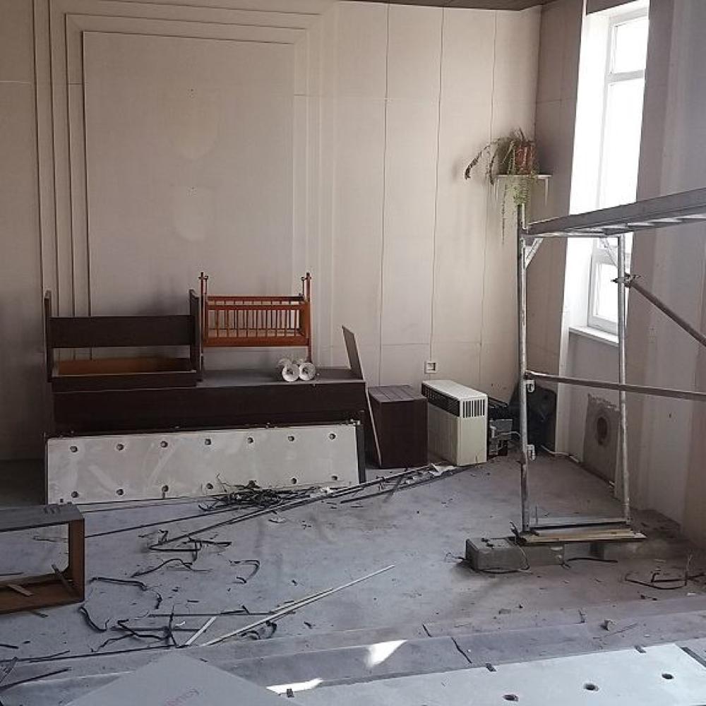 Pokračuje úplná rekonštrukcia budovy Obecného úradu v Mužle