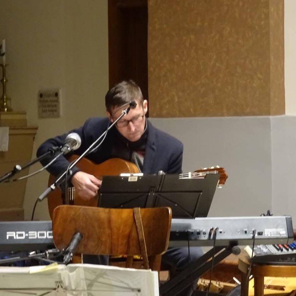 Novoročný koncert hudobnej skupiny Kor-Zár v mužlianskom kostole