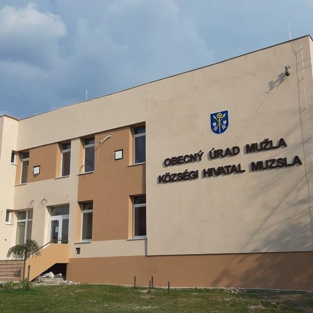 Ukončila sa rekonštrukcia budovy Obecného úradu v Mužle