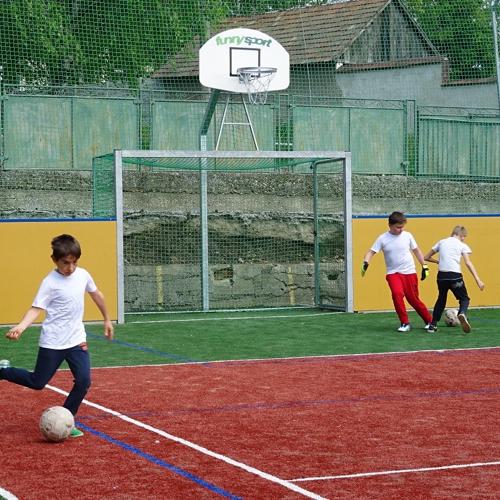 Tréning mužlianskeho žiackeho mužstva na multifunkčnom športovom ihrisku