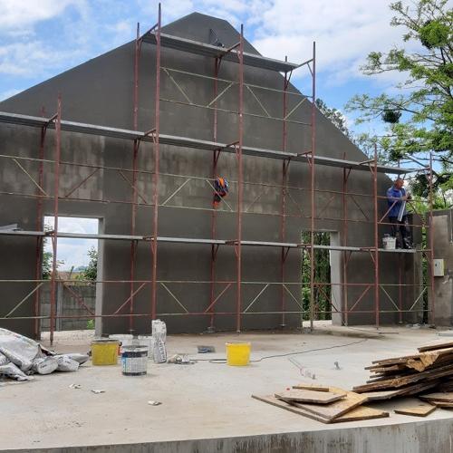 V obci Mužla pokračujú vo výstavbe vonkajšieho javiska