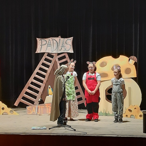 Detské predstavenie ZUŠ K.Pappovej v obci Mužla