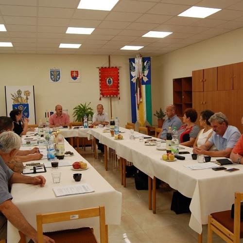 Rokovanie Združenia obcí – Južný región na Obecnom úrade v Mužle