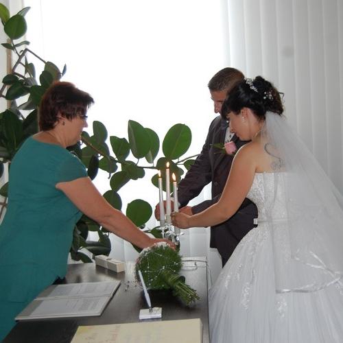 Potvrdenie svadby Petra Kurucza a Lívii Füredy Kurucz