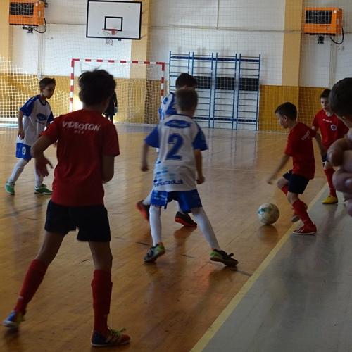 Halový futbalový tirnaj žiakov v mužlianskej športovej hale