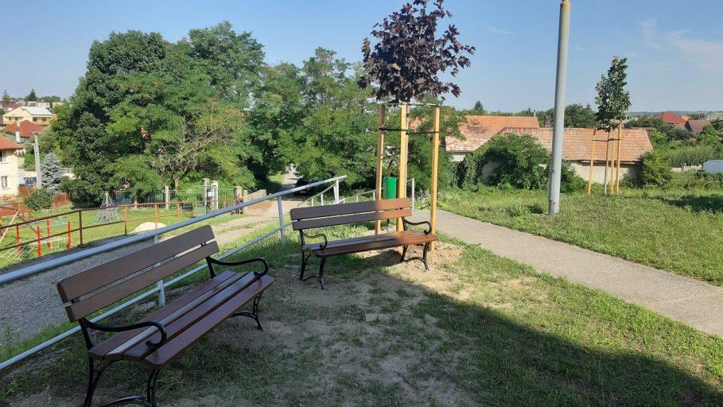 Dokončilo sa skrášlenie parku na kostolnom vŕšku v obci Mužla