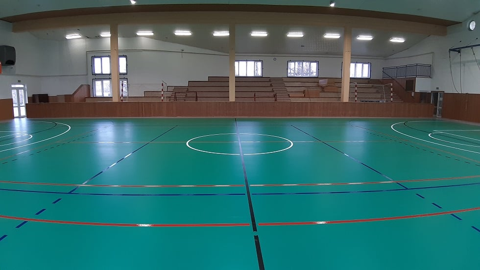 Dovŕšila sa vnútorná rekonštrukcia športovej haly v obci Mužla