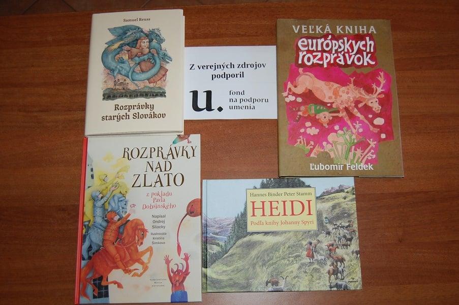 Vďaka dotácie KULTMINORu sa novými knihamo obohatila naša knižnica