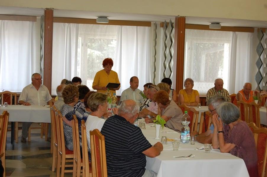 Az egészségkárosultak és a nyugdíjasklub közös évzárója