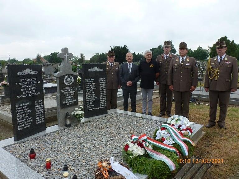 A II. világháborúban Muzslán eltemetett katonák sírhelyének a felavatása
